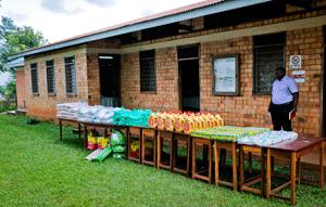 Ausgabe der Waren der privaten Spendeninitiative, August 2020, Foto:©GIZ