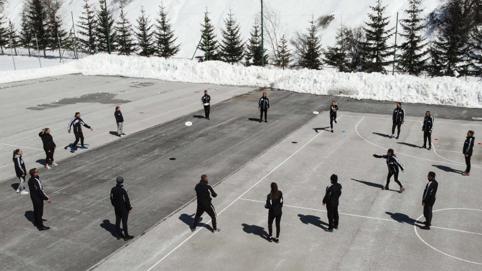 With some basic S4D training in the sunny winter atmosphere of Mavrovo (North Macedonia). Photo©GIZ_Nebojsha Petrevski